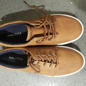 Boys Shoes size 4 Nautica brown Casual